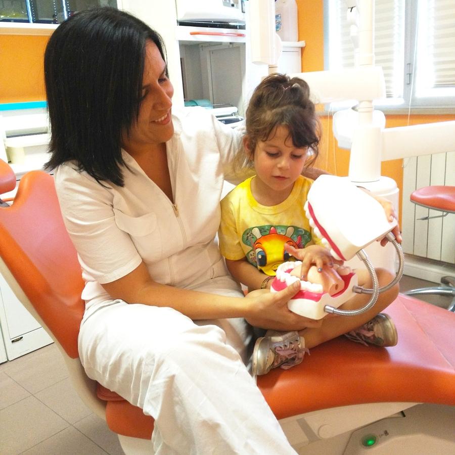 Dott.ssa Irene Andriuolo. Dentista dei bambini a Pisa, Cascina, Lucca, Fucecchio, Firenze